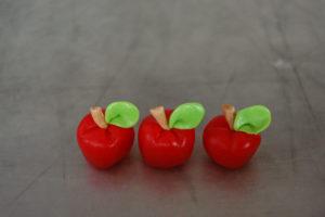 cute apple cupcakes